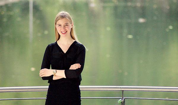 Versiertes Improvisationstalent: Der Franz-Liszt-Preis 2020 geht an die Weimarer Kirchenmusikstudentin Julia Raasch