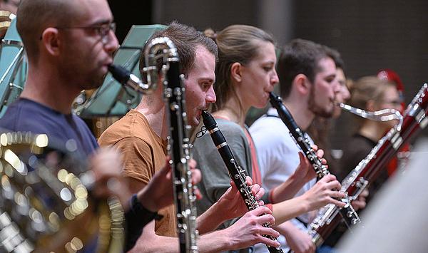 Liebesbrief aus Australien: Hochschulorchester spielt Europäische Erstaufführung des Oboenkonzerts von Nigel Westlake