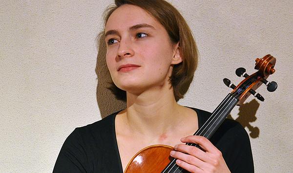 Doppelerfolg für die Viola-Klasse: Zwei Bratschistinnen gelang Aufnahme in Orchesterakademien in Leipzig und Stockholm