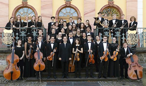 Ein Schuljahr klingt aus: Das Musikgymnasium Schloss Belvedere lädt zum Sommerkonzert mit Chor, Orchester und Kammermusik