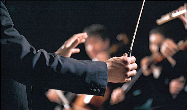 """Exzellenzkonzert als Höhepunkt: Gemeinsamer Thementag """"Dirigieren"""" der Jenaer Philharmonie und der Hochschule für Musik FRANZ LISZT Weimar"""