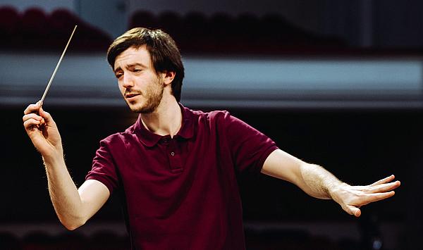 """""""Eine echte Symbiose"""": Drei Fragen an den Studenten Martijn Dendievel zu seinem Dirigat des MDR Sinfonieorchesters"""