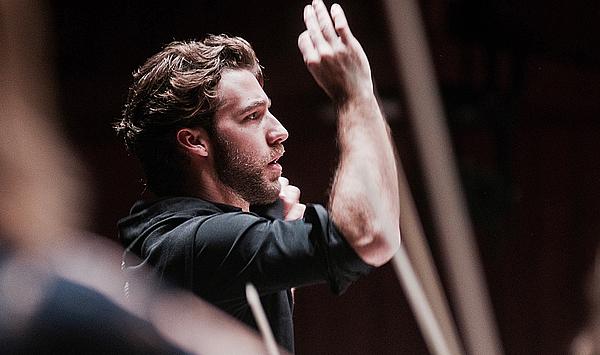Steile Karriere: Weimarer Dirigierabsolvent Lorenzo Viotti wird Chefdirigent der Niederländischen Philharmonie und der Nationaloper