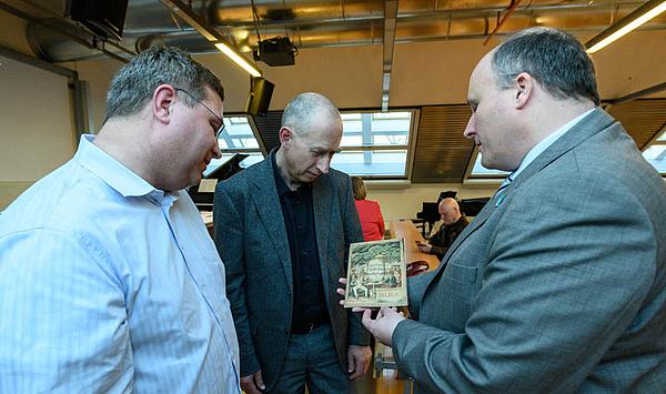 """Seltene Buch- und Notendrucke: Die Sammlung """"Musica Judaica"""" wird an die HfM Weimar übergeben"""